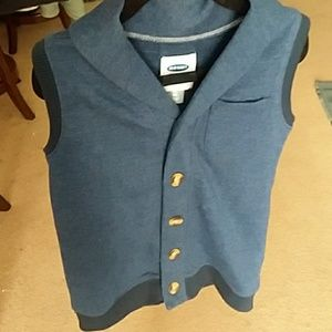 Warm dressy vest with cute brown buttons.1 pocket.